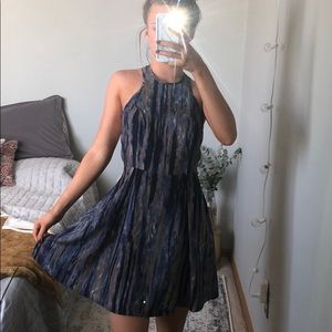 WORN ONCE Patterned dress with zip closure